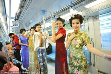 第六名南京,六朝古都的遗韵或多或少给南京(景区详情)女人套上了一些文化的绳索,解不开,理还乱,南京美眉便永远有一丝文化的味道。