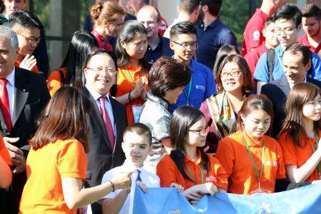 未来之星国际青年交流团在中国驻罗马尼亚使馆参加活动